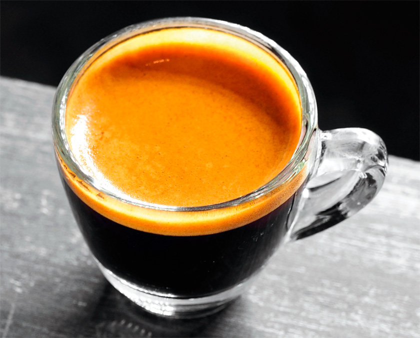 Espresso'nuzun kalitesi, yapacağınız espresso bazlı Americano, cafe latte, cappuccino gibi içeceklerin kalitesini de ciddi anlamda etkiler. Doğru espresso, doğru süt ve krema... İşte lezzetin sırrı bu üçlüde!